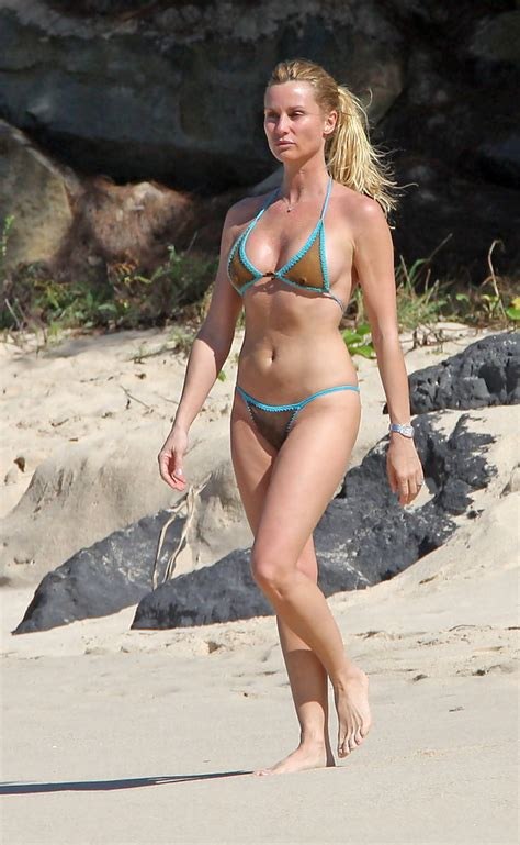 nicollette sheridan fiance nicollette sheridan and michael bolton at the beach zimbio