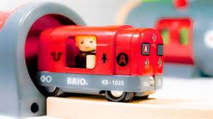 brio subway train brio 33513 metro railway set railroad of wood with red