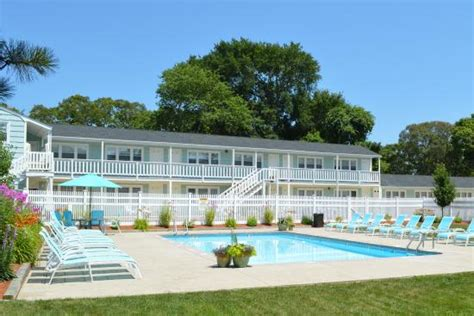 resort on cape cod the escape inn south yarmouth ma cape cod motel
