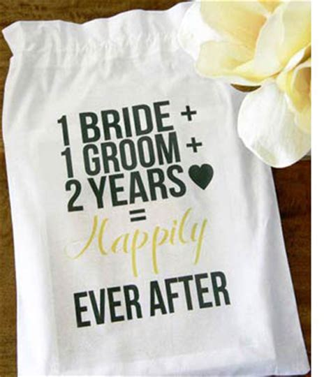 2nd Wedding Anniversary Ideas Uk by 2nd Anniversary Gift Themes Unique Gift Ideas For Couples