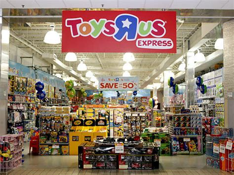 is toysrus open on new year s day toys r us opening hours new years day 28 images toys r
