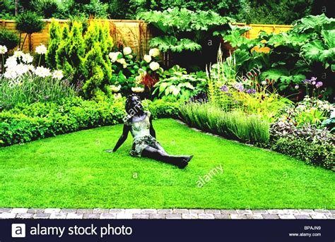 garden design in front of house simple garden designs for front of house in kerala design 83 chsbahrain com