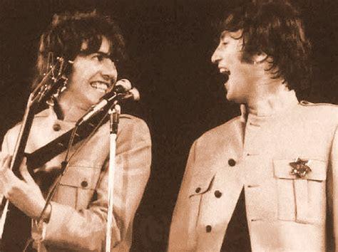 imagine de john lennon y george harrison the beatles no shea stadium o primeiro show em est 225 dios