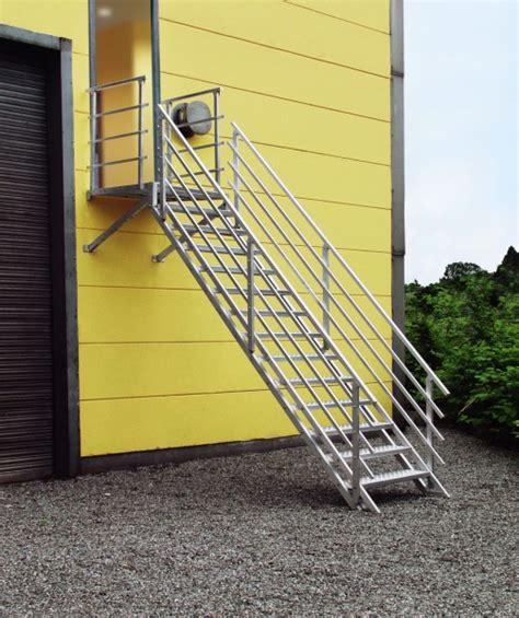 aluminium trap met leuning buiten trappen voor naar uw balkon of dakteras
