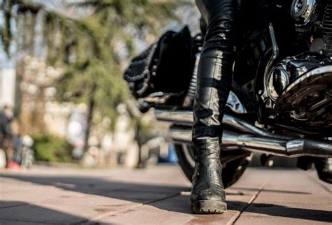 best cruiser riding boots ultimate guide to motorcycle boots types features