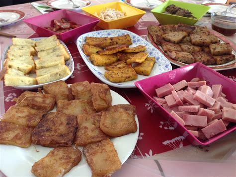 new year snacks in singapore file new year snacks singapore 20140131 jpg