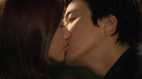 so ji sub nose kiss snsd yoona s kiss drama to be broadcast smtownjjang