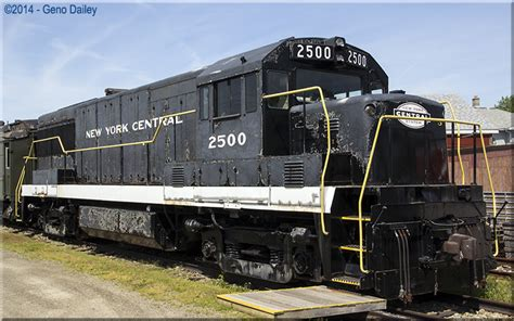 electric boat new york former new york central ge u25b 2500 this locomotive was