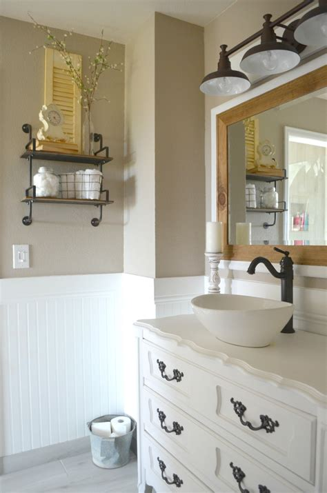 Farm Bathroom Decor by How To Easily Mix Vintage And Modern Decor
