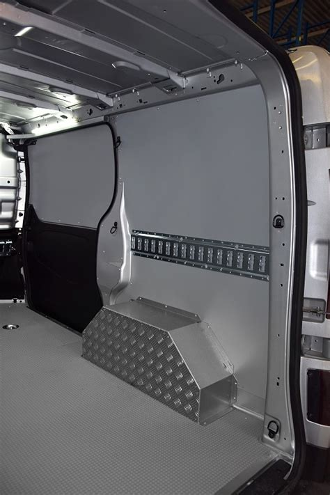 lade da interno floor panels and interior linings for the renault trafic 2014