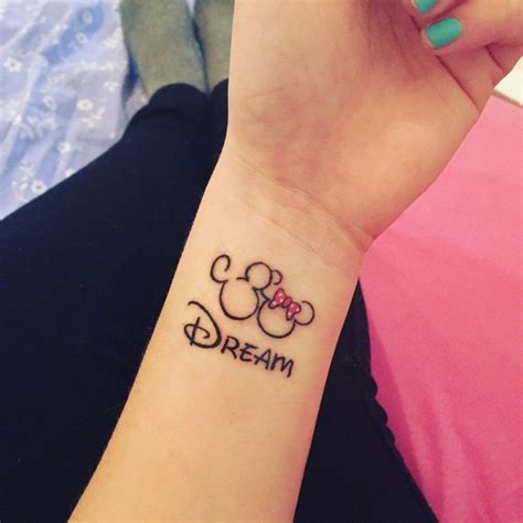 minnie tattoo designs r 234 ve minnie mickey disney tatoo upliked by