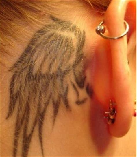 imagenes tatuajes detras de la oreja tatuaje alas de angel detras de oreja tatuaje original