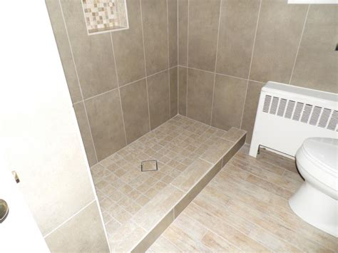 bathroom floor tile layout bathroom wonderful ideas of bathroom with wood tile gray