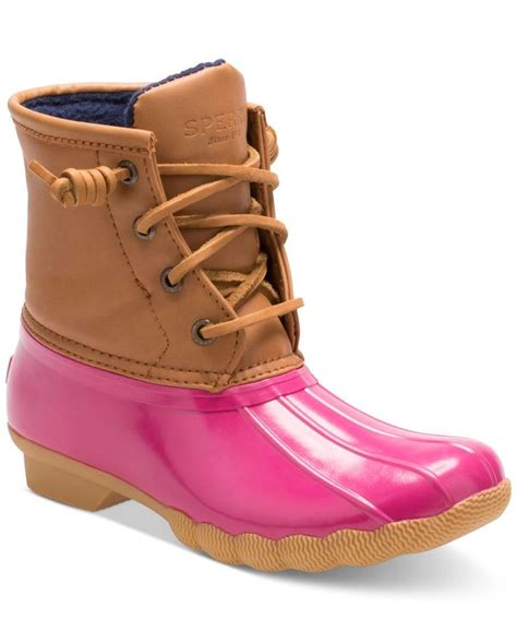 toddler duck boots 1000 ideas about duck boots on
