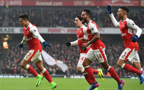 alexis sanchez won chions league sanchez hands arsenal lift in win over hull sport the