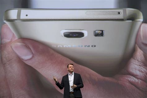 samsung galaxy note 5 gets new paint to rival apple iphone 6s gold variant
