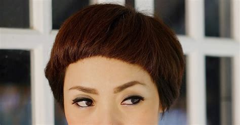 gaya rambut pendek wanita jaman  naskah