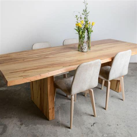 mesas de comedor grandes mesas de madera un acento r 250 stico para el comedor