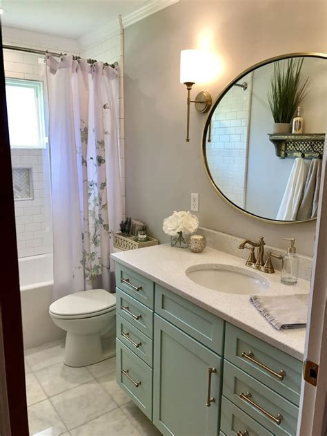 sea green bathroom best 25 sea green bathrooms ideas on pinterest green