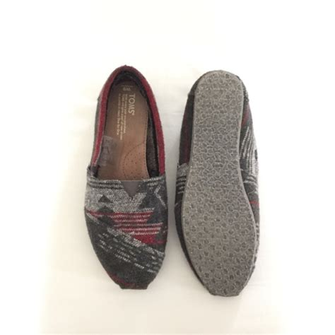 tribal pattern toms 72 off toms shoes toms grey maroon tribal pattern