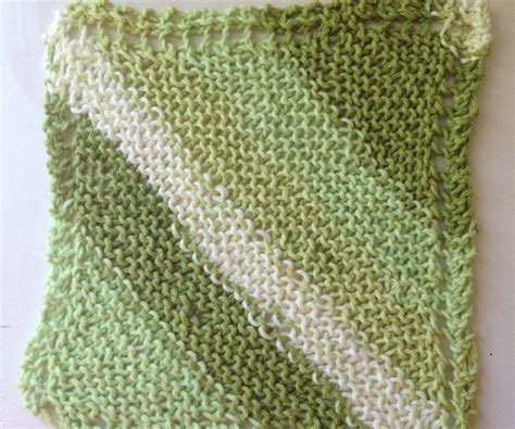 how to knit a dishcloth 6 steps knit dishcloth 3 steps with pictures