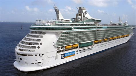 biggest cruise ships in the world list cruise ships largest cruise ships list