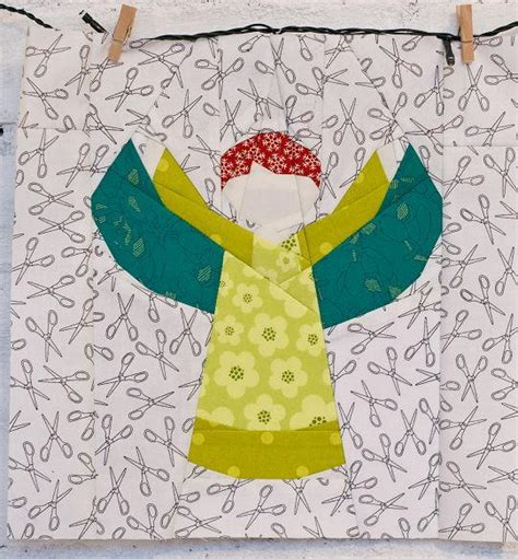 christmas angel block pattern favequilts com