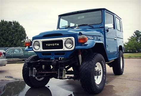 Toyota That Looks Like A Jeep 8 Vintage Suvs We Want Right Now By Cool Material