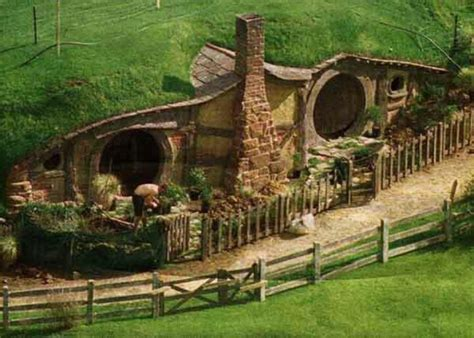 hobbit houses new zealand hobbit house new zealand home natural building pinterest