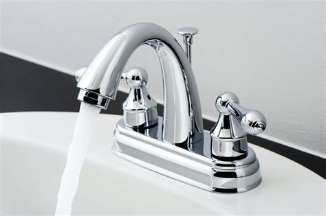 wasserhahn bad im bad die wasserarmatur auswechseln alles zum einrichten