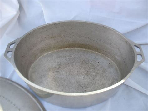 Oven Aluminium vintage cast aluminum oven stock soup and 50 similar items