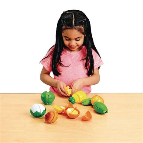 cut  play food fruits  vegetables  pieces