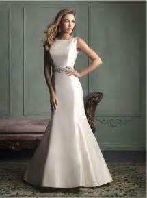 China open back simple elegant wedding dress with crystal beaded belt