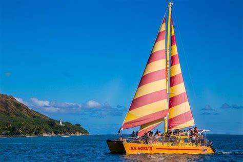 hoku boats 乗船前 picture of na hoku ii catamaran honolulu tripadvisor