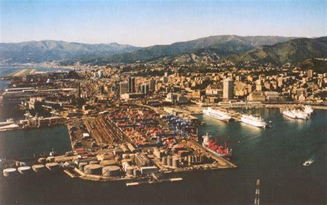 le trafic du port de g 232 nes a chut 233 de 4 8 en 2008