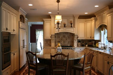 how to decorate a colonial home english country kitchen
