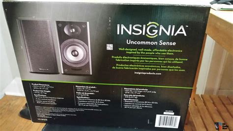 insignia ns sp213 bookshelf speakers new in box photo