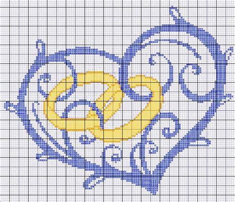 cuscini per fedi nuziali punto croce cuore con fedi per cuscino matrimonio punto croce
