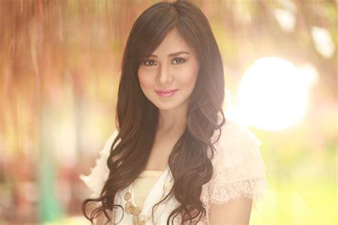 filipino person check out all the beautiful filipino singles online