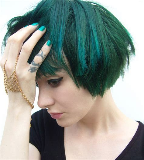 recall pravana hair color rock this look the gothic glam of tying tiffany beautylish