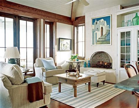 calm and simple beach house interior design by frederick stelle digsdigs гостиная с камином 100 вариантов дизайна