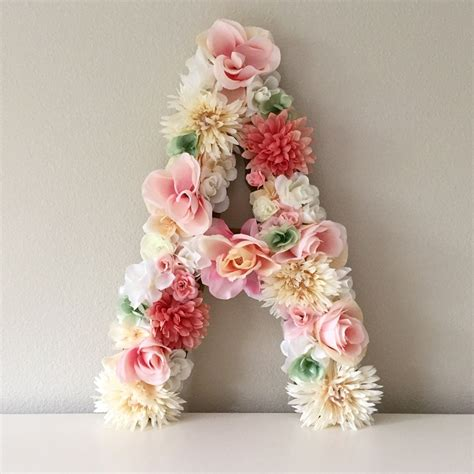 19 really beautiful bridal shower decorations this beautiful customized 19 floral letter or number is
