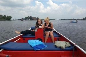 reddingsvest kind huren overzicht boten zwaantje giethoorn botenverhuur