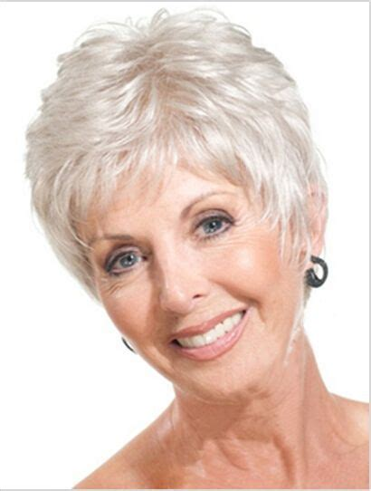 easy care hairstyle 65 years old lady avoir de beaux cheveux gris ou blancs un capital beaut 233