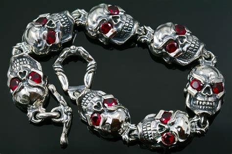 Jumbo Skull jumbo eyed skull link silver bracelet br 040