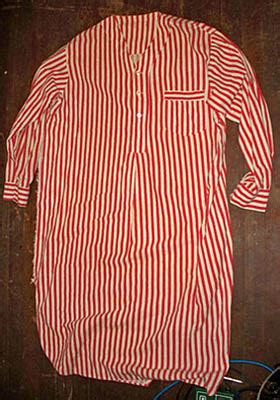 To Auction Kurts Stuff by Pajamas Worn By Kurt Cobain In 1988 Sell For 3 000 On Ebay