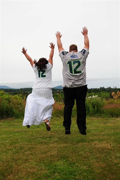 12 Basketball Fans Couples Edition by Seahawks 12th Fan Of The Week Yakima Married In