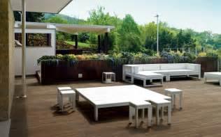 terrasse holzoptik keramik bodenfliesen in holzoptik alternative zu parkett