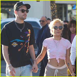 halsey boyfriend halsey boyfriend g eazy hold hands on lunch date g