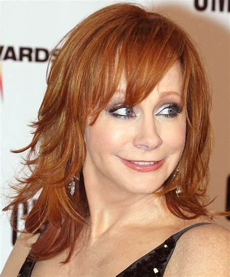 pics of reba mcintyre in pixie hair style reba mcentire with a long shag haircut hairstyles